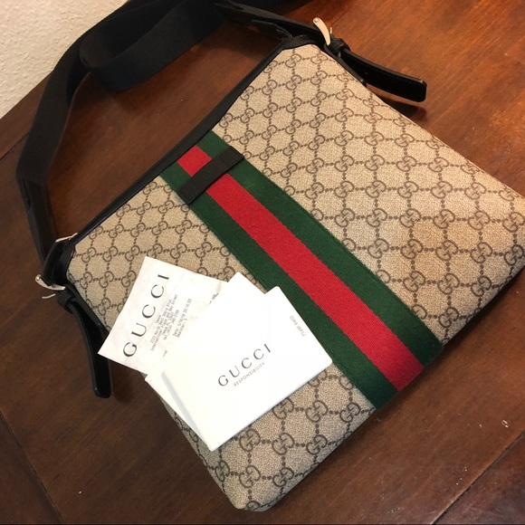 62811482762b3a Gucci Bags | Original Web Gg Supreme Messenger | Poshmark